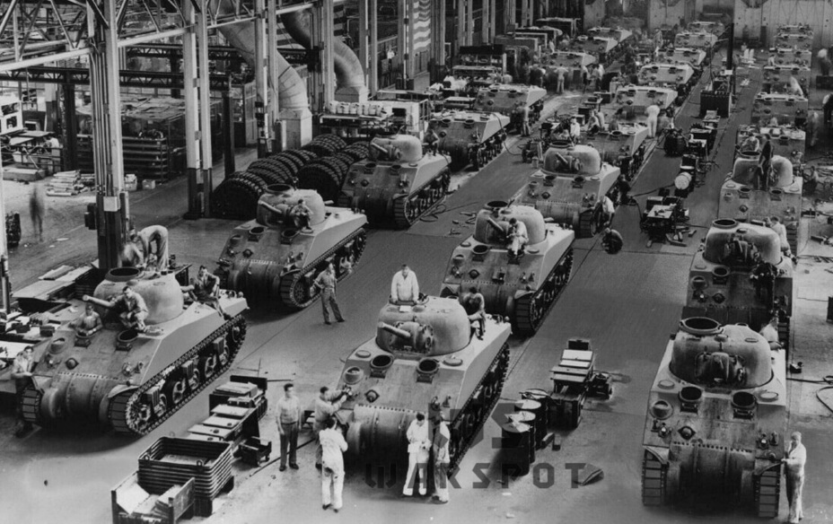 ​Assembly of M4A4 tanks at the Detroit Tank Arsenal, 1942 - A Tank for Allies | Warspot.net