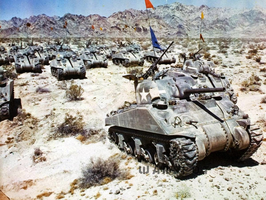 ​Tanks from the second series on maneuvers. The M4A4 was only used for training by the US army - A Tank for Allies | Warspot.net
