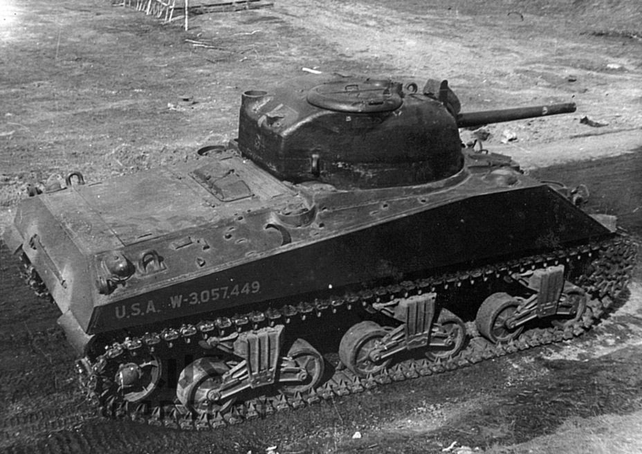 ​The bulge on top of the engine deck is seen from above - A Tank for Allies | Warspot.net