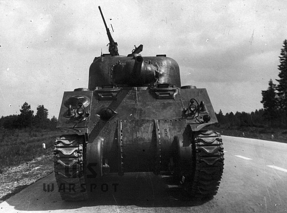 ​The direct vision ports for the driver and his assistant were removed in the fall of 1942. The tanks that arrived in the USSR were among the last to have this feature - A Tank for Allies | Warspot.net