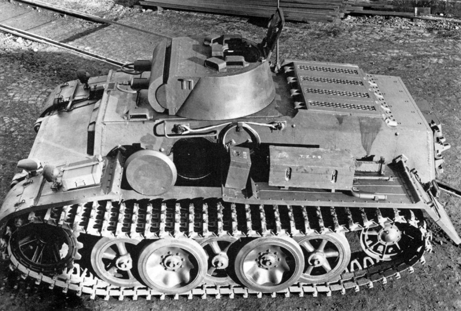 ​The same tank with its hatches open. They look small, but actually allowed comfortable entry into the tank - Pz.Kpfw.I Ausf. F: Pocket Tiger | Warspot.net
