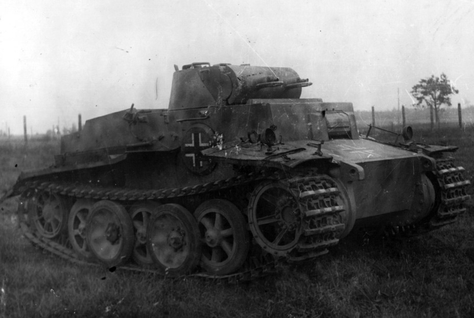 ​PzI Ausf. F with serial number 150329 from the 2nd Police Tank Company, captured in Belarus. Seen here at the GBTU proving grounds, fall of 1944 - Pz.Kpfw.I Ausf. F: Pocket Tiger | Warspot.net