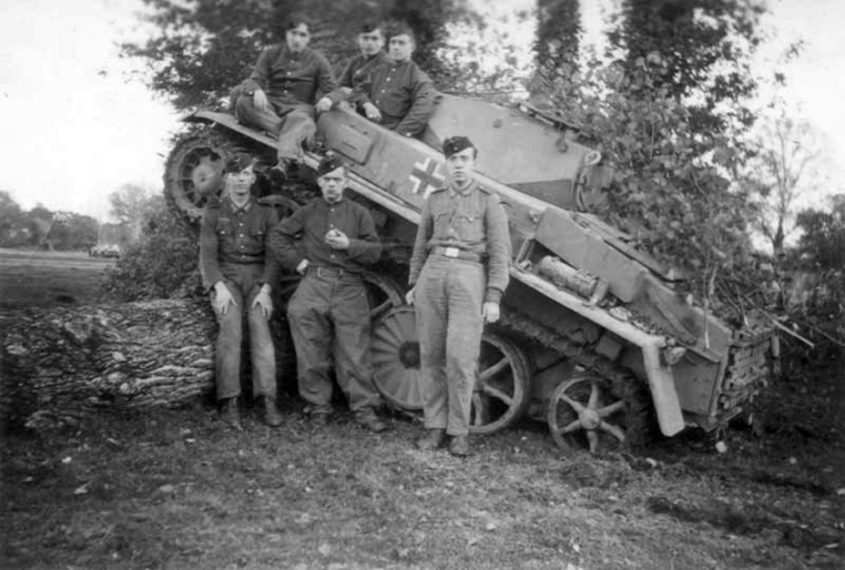 ​One of the few photographs of the PzI Ausf. C in service, taken in France - Pz.Kpfw.I Ausf. C: Kniepkamp's Latecomer | Warspot.net