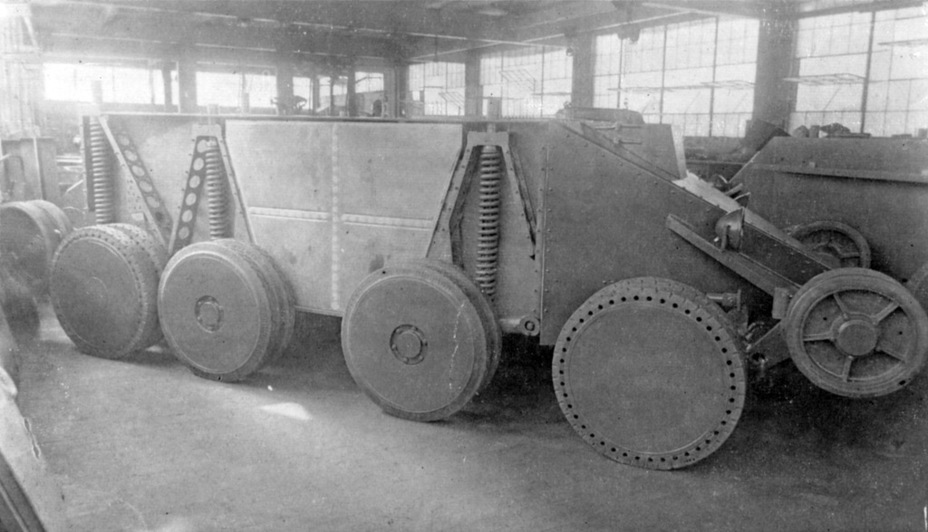 ​Assembly of two Christie M.1940 prototypes for the USSR, Rahway, New Jersey. Summer-Fall of 1930 - The Tank Patriarch | Warspot.net