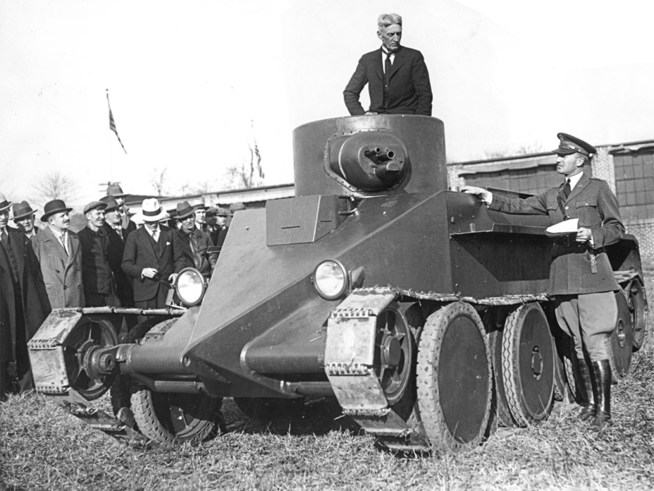 ​Demonstration of the Christie M.1931, January 1931. The tank traveled a mile in less than a minute. Not every car could achieve this feat at the time - The Tank Patriarch | Warspot.net