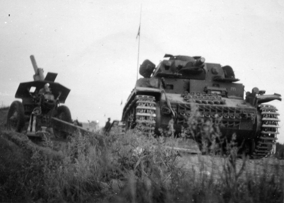 ​PzIV Ausf. E from the 20th Tank Division, summer 1941 - Pz.Kpfw.IV Ausf. D through E | Warspot.net