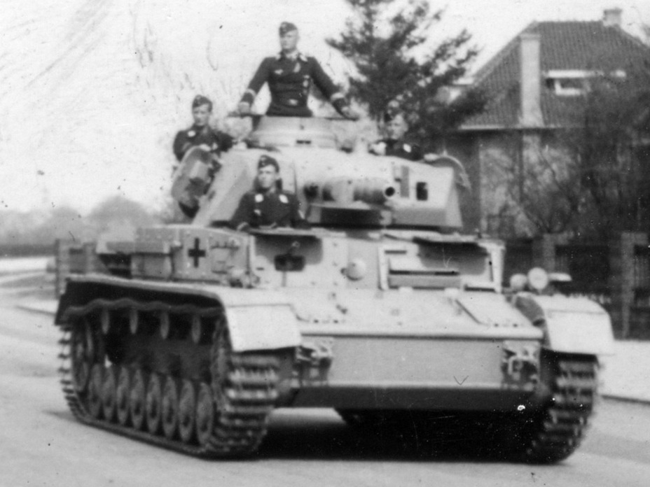 ​PzIV Ausf. D with additional Vorpanzer armour, 1942 - Pz.Kpfw.IV Ausf. D through E | Warspot.net