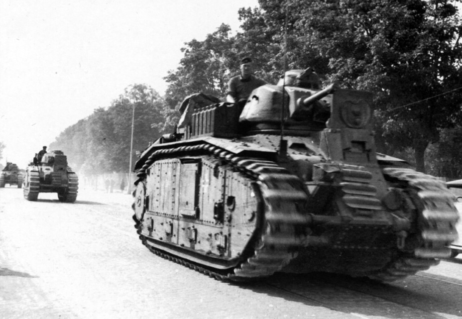 ​102nd Flamethrower Battalion on the march, Lvov, July of 1941 - Char B in German Service | Warspot.net