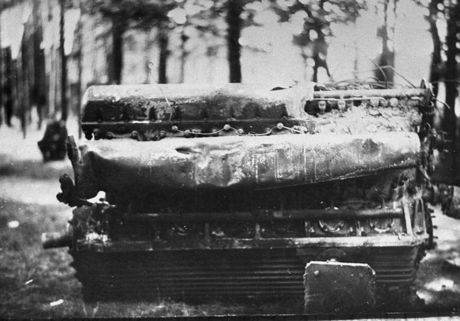 ​MB.517 diesel engine, the breakdown of which forced the Germans to blow up the tank - Superheavy Trophy | Warspot.net