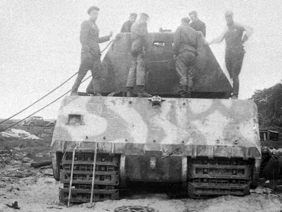 ​Preparations for removing the dummy turret - Superheavy Trophy | Warspot.net