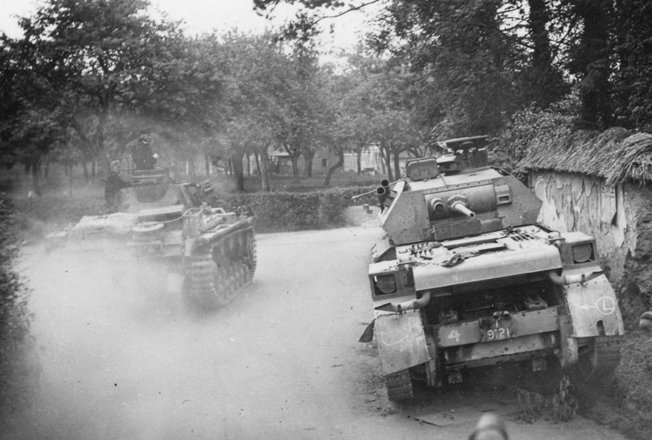 ​Cruiser Tank Mk.IV from the 2nd Dragoon Guards Regiment, 1st Armoured Division, abandoned due to mechanical failure. France, May 1940 - Cruiser IV: A Bit More Armour | Warspot.net