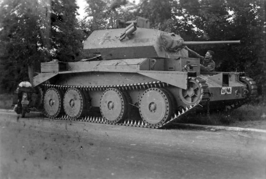 ​Cruiser Tank Mk.IVA that was captured and put into battle immediately in France, June1940. The engine betrayed its new masters - Cruiser IV: A Bit More Armour | Warspot.net