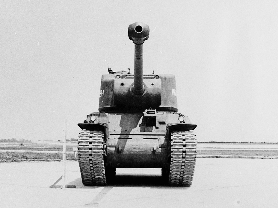 ​Both M6A2E1 prototypes lost their hull machineguns, but did not receive additional armour - M6A2E1: The Heavy Clownshoe | Warspot.net