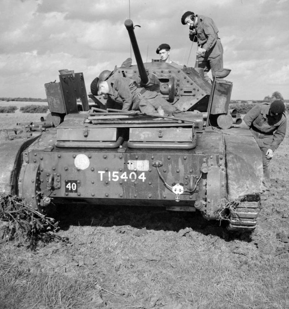 ​A common pastime for Covenanter crews. This «lucky» Covenanter I crew belongs to the 9th Armoured Division - Covenanter: Reservist Tank | Warspot.net