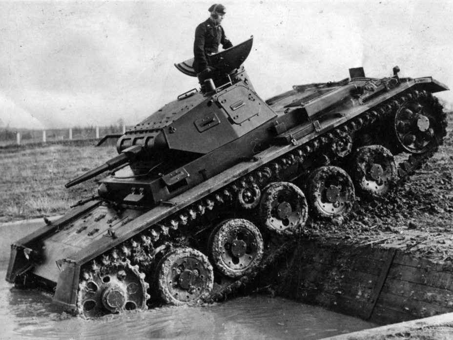 ​The same tank on exercises - Pz.Kpfw.III Ausf. A: Christie, German Style | Warspot.net