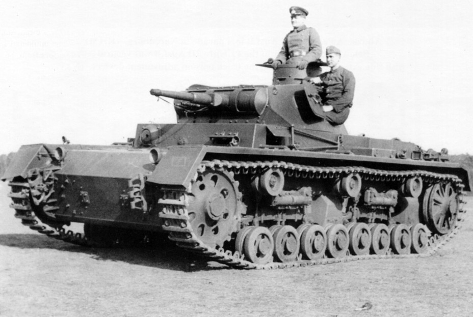 ​The PzIII Ausf. B used leaf springs instead of coil springs, with 8 road wheels per side - Pz.Kpfw.III Ausf B-D | Warspot.net