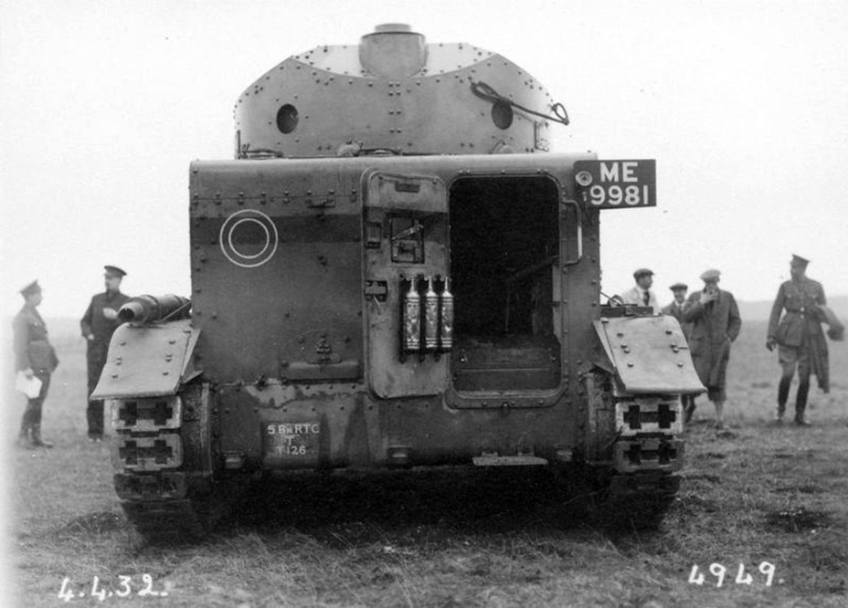 ​Medium Tank Mk.II* on maneuvers, 1932 - Medium Tank Mk.II: Interbellum Long-Liver | Warspot.net