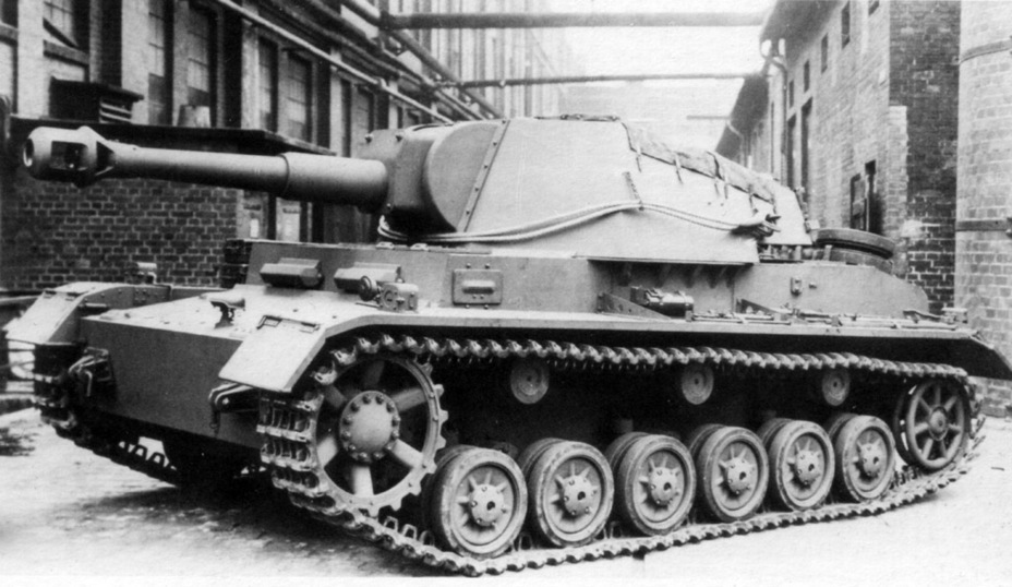 ​Even though the Pz.Sfl.IV looked similar to the PzIV, it had less in common with it than the Pz.Sfl.IVa - Pz.Sfl.IVb: Halfway to the Hummel | Warspot.net