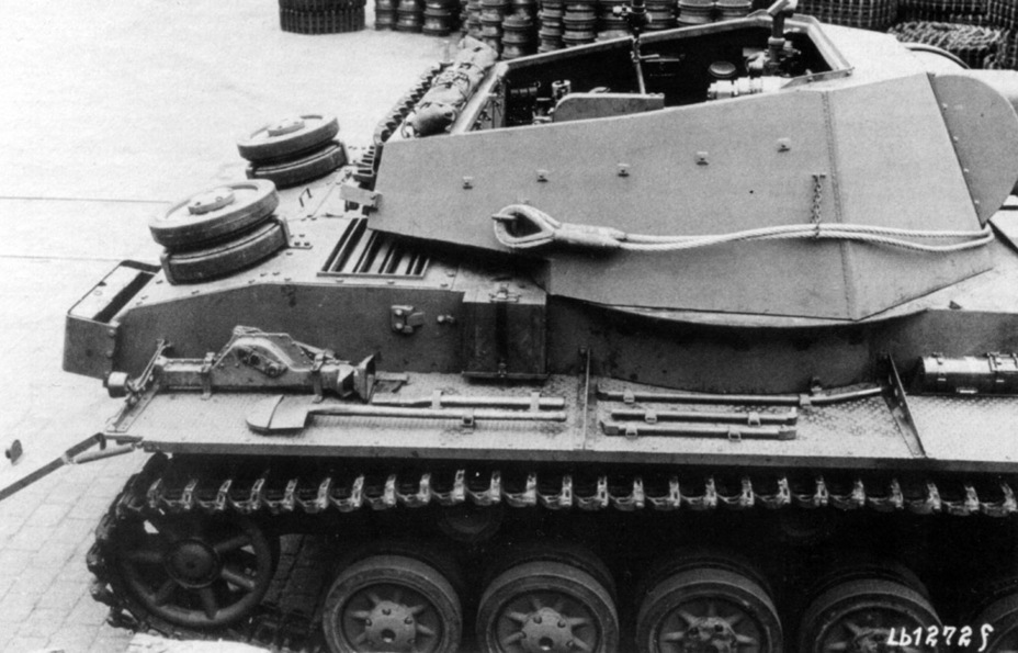 ​A wider turret ring made changes to the sides necessary - Pz.Sfl.IVb: Halfway to the Hummel | Warspot.net
