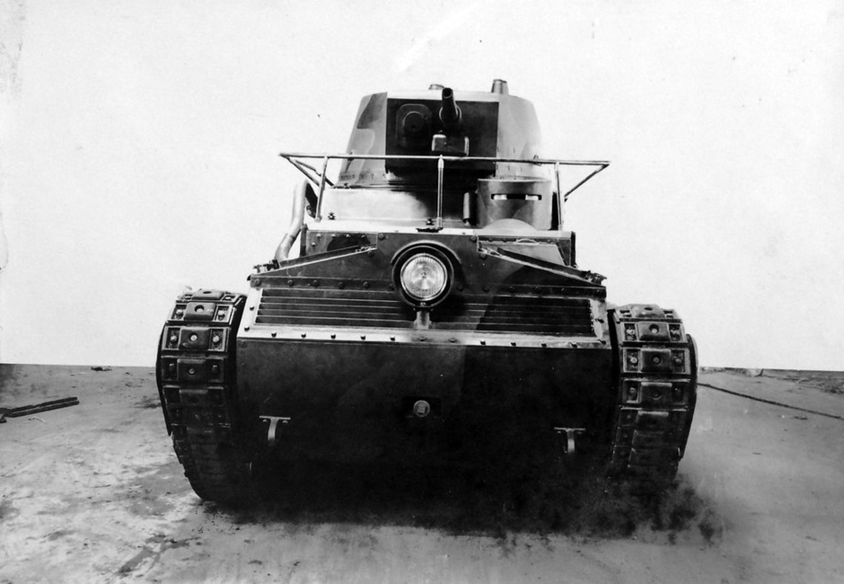 ​The design of the front of the tank prompts many questions, especially about the air intake grille - Krupp Leichttraktor | Warspot.net
