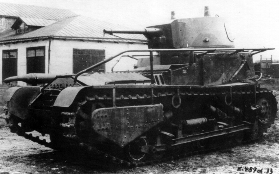 ​The tank with a modified version of the second suspension. Springs are already used, the driver's hatch replaced, and fenders installed - Krupp Leichttraktor | Warspot.net