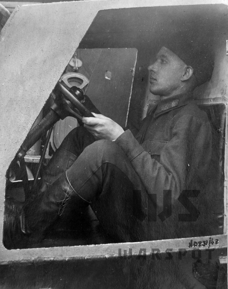 ​The driver in the ZIS-41 sat like this. No comment - Halftrack Experiments | Warspot.net