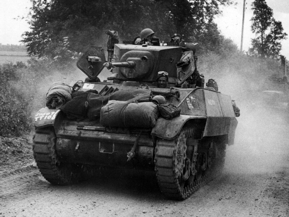 ​Stuart V in Normandy, summer of 1944 - Light Tank M3A3: American Emigrant | Warspot.net