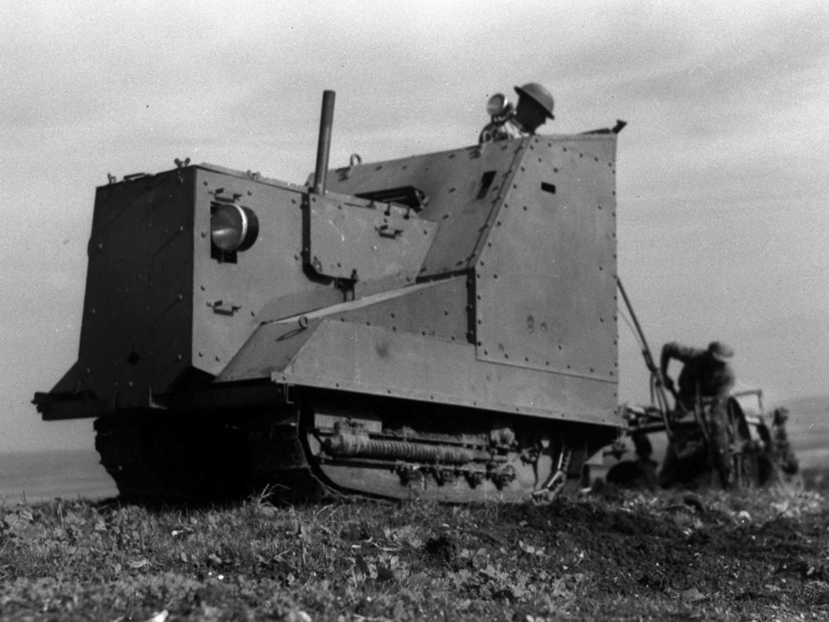 ​An armoured tractor on peaceful duty, 1938 - Israeli Sandwiches | Warspot.net