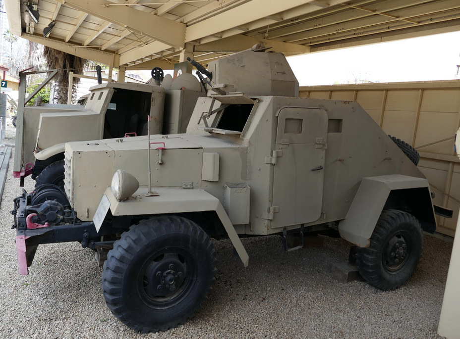 ​Reconnaissance-assault armoured car on the Dodge WC-52 chassis - Israeli Sandwiches | Warspot.net