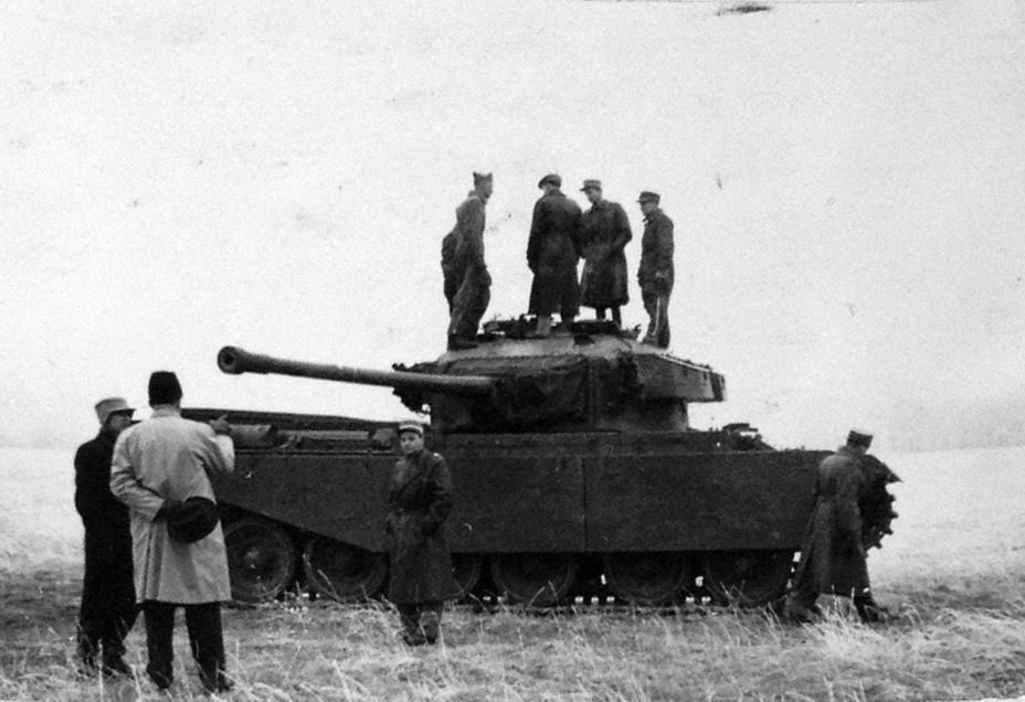​A Swedish commission inspects a Centurion Mk.3 tank in Switzerland, November-December 1951. In the foreground (holding a hat) is Erik Gillner, a key figure in Swedish tank building - Adventures of the Centurion in Scandinavia | Warspot.net