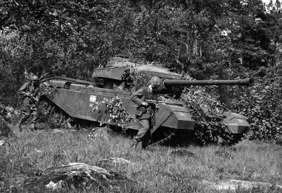 ​One of the first Centurions Mk.3 to arrive in Sweden. Exercises of the P 2 tank regiment, Hassleholm, summer of 1953 - Adventures of the Centurion in Scandinavia | Warspot.net