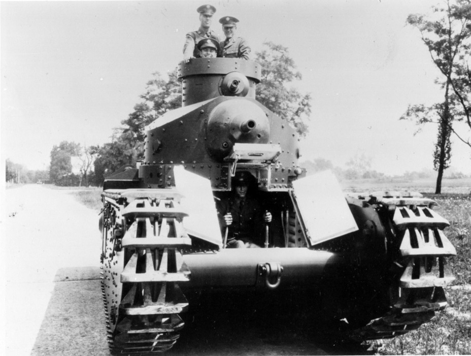 ​Medium Tank M1 and its crew, spring of 1928 - Medium Tank T1E1: Britain's Heir | Warspot.net