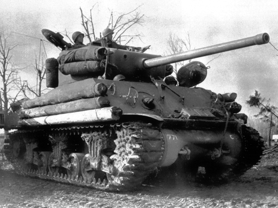​Protection with logs was a common type of improvised armour - The Tank's Hidden Foe | Warspot.net