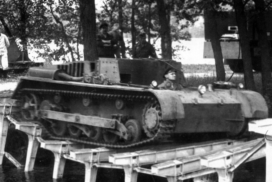 ​Reworked Krupp La.S.100 on trials - Pz.Kpfw.II Ausf.a through b: An Unplanned Tank | Warspot.net