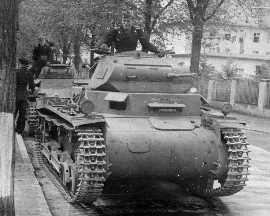​The PzII Ausf.a/2 had few differences from its predecessor - Pz.Kpfw.II Ausf.a through b: An Unplanned Tank | Warspot.net
