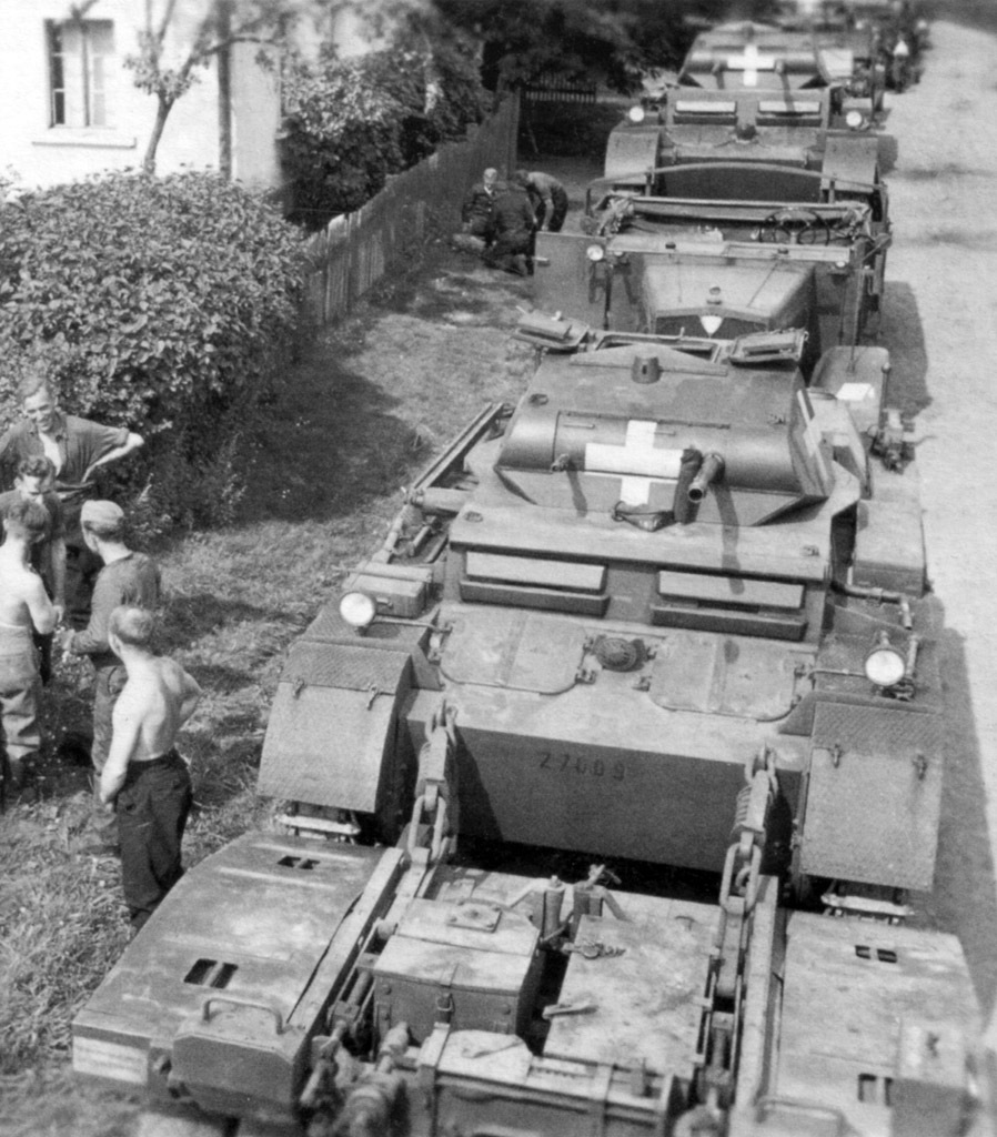 ​PzII Ausf. D, serial number 27009, from the 4th company, 67th Tank Battalion, transported by truck, 3rd Light Division. Poland, September 1st, 1939 - Pz.Kpfw.II Ausf. D-E: Unlucky Torsion Bars | Warspot.net