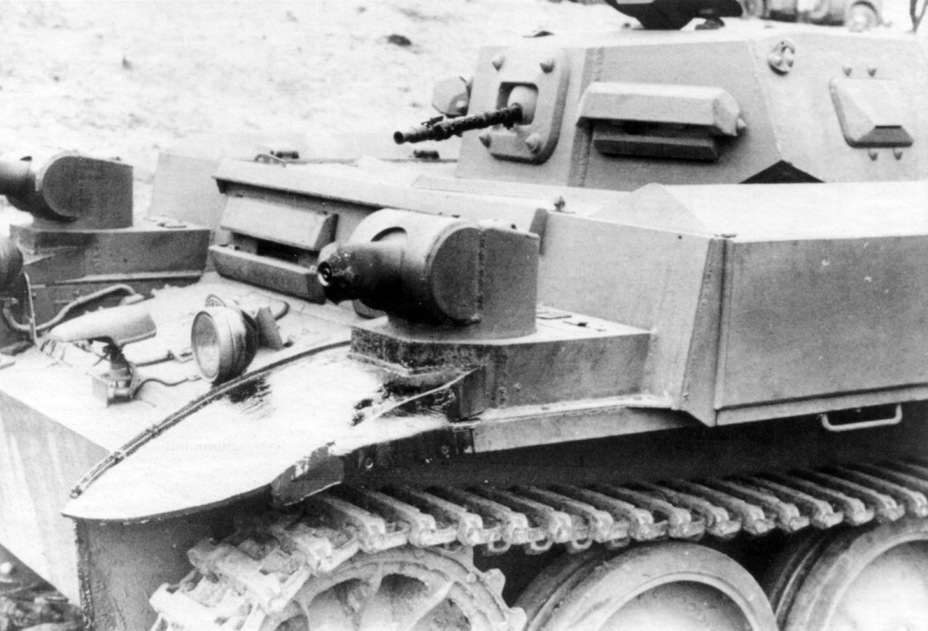 ​Closeup of the flamethrower mount. The low range was compensated by high maneuverability of fire - Pz.Kpfw.II Ausf. D-E: Unlucky Torsion Bars | Warspot.net