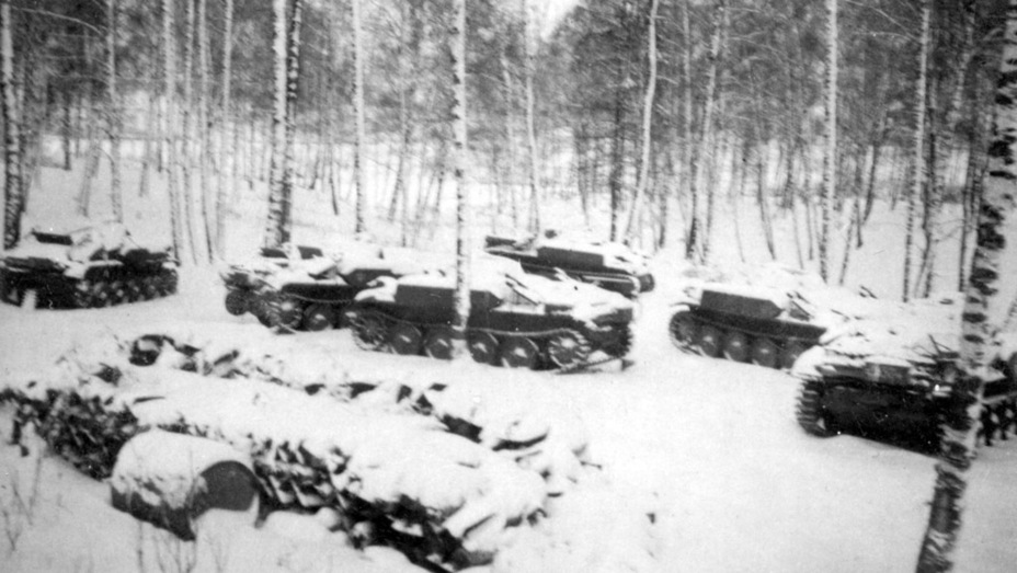 ​Abandoned PzII (F) near Volokolamsk. Early December 1941 - Pz.Kpfw.II Ausf. D-E: Unlucky Torsion Bars | Warspot.net