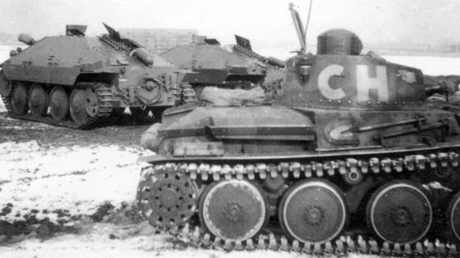 ​Pzw 39 in the late 1940s. G-13 tank destroyers are seen in the background - Praga LTL and Pzw 39: Tanks for Neutrals | Warspot.net