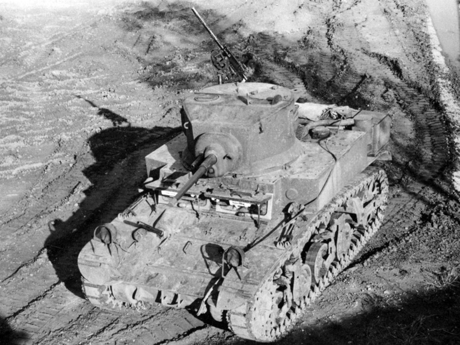 ​The diesel version had longer air hoses from the engine compartment to the air filters - M3A1: Light Tank with a Hard Fate | Warspot.net
