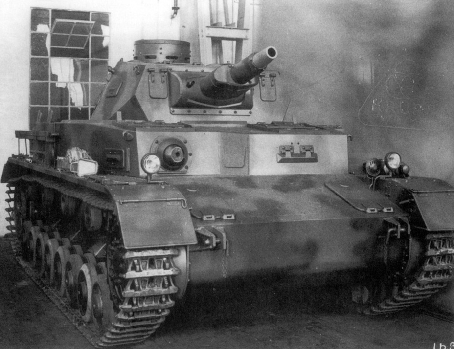​PzIV Ausf. A, serial number 80113, produced in February of 1938. This is one of the few tanks of this type that received camouflage paint - Pz.Kpfw.IV Ausf. A through C | Warspot.net