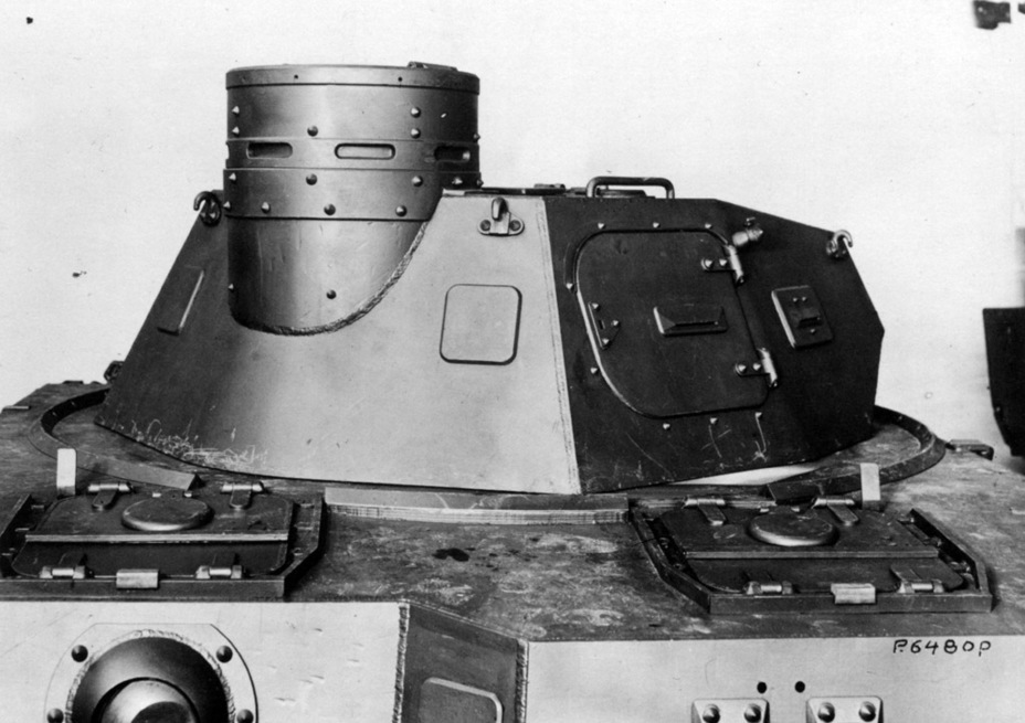 ​PzIV Ausf. A turret from the rear, showing pistol ports and the commander's cupola - Pz.Kpfw.IV Ausf. A through C | Warspot.net