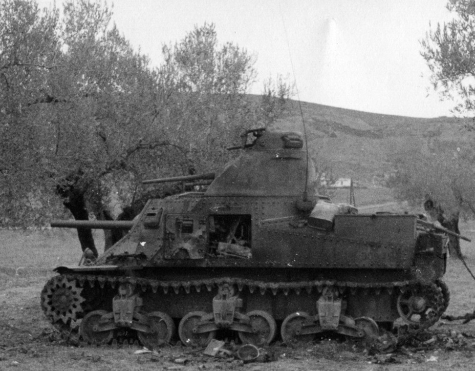 ​A late production M3, burned up during the battle for Tunis, early 1943 - Medium Tank M3 | Warspot.net