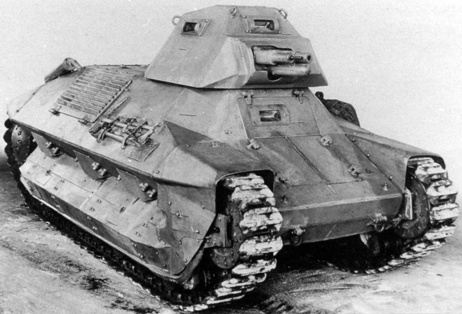 ​The second prototype of the Tracteur RN3. A series of changes compared to the first tank are visible - FCM 36: Ahead of its Time | Warspot.net