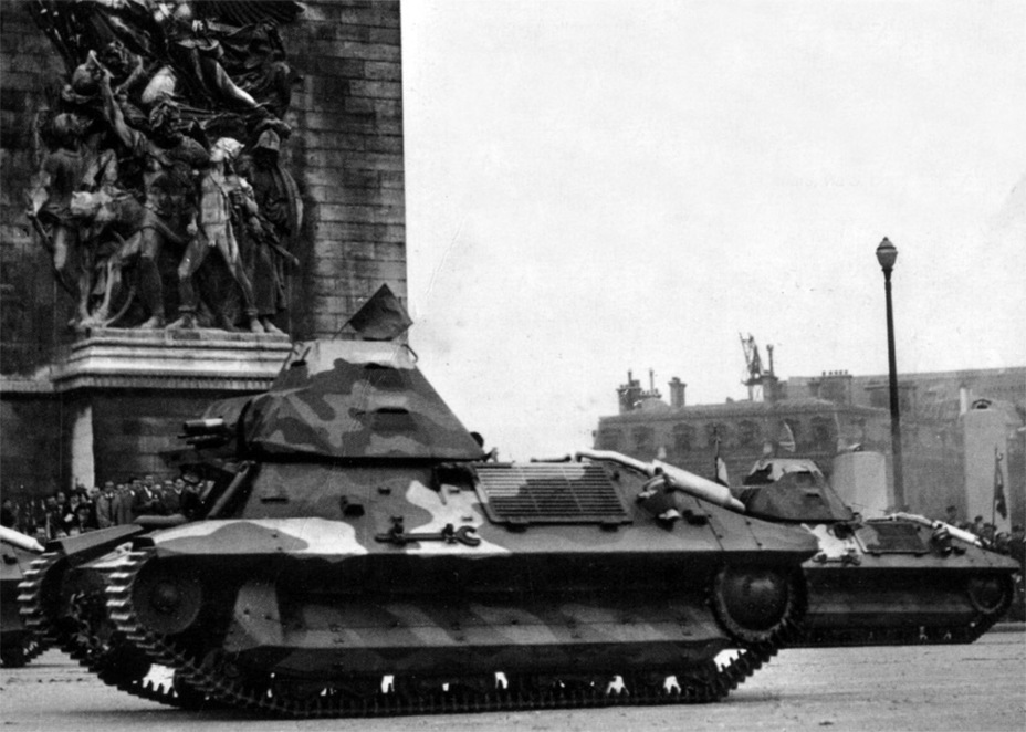 ​Tanks from the 7th BCL on parade, Bastille Day, Paris, July 14th, 1939 - FCM 36: Ahead of its Time | Warspot.net