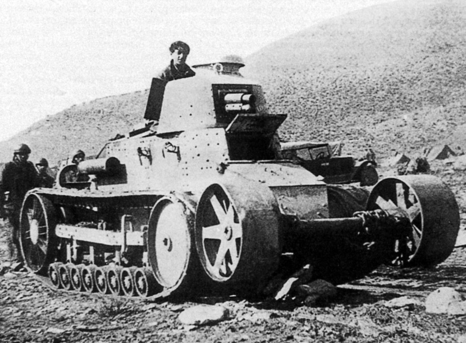 ​Renault FT with a Kégresse suspension in Morocco. Obstacle crossing rollers were already added - Renault NC: Destined for Export | Warspot.net