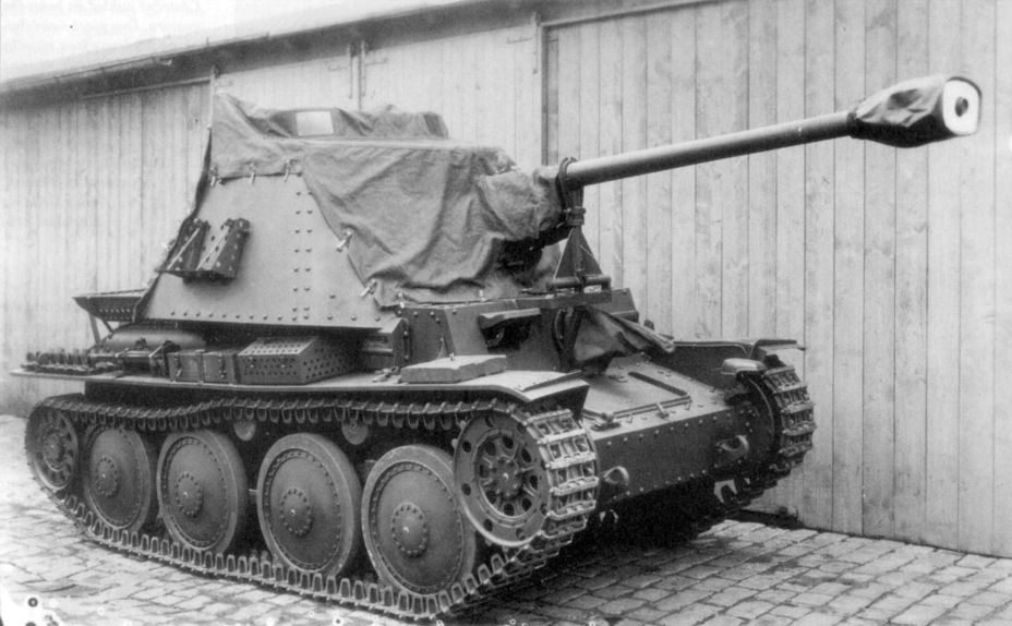​Production 7.5 cm Pak 40 auf Pz.Kpfw.38(t). The photo shows how the tarp was attached - Marder III: German Tank Destroyer on a Czech Chassis | Warspot.net