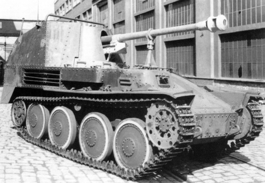 ​Initial production 7.5 cm Pak 43/3 auf Sfl.38 (Ausf.M) Motor vorn. This vehicle has distinctive rear fenders, which were later deleted - Marder III: German Tank Destroyer on a Czech Chassis | Warspot.net