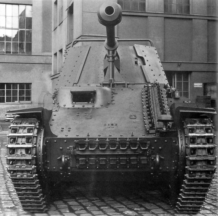 ​The same vehicle from the front. The serial number on the front plate suggests that it was built in May of 1943 - Marder III: German Tank Destroyer on a Czech Chassis | Warspot.net