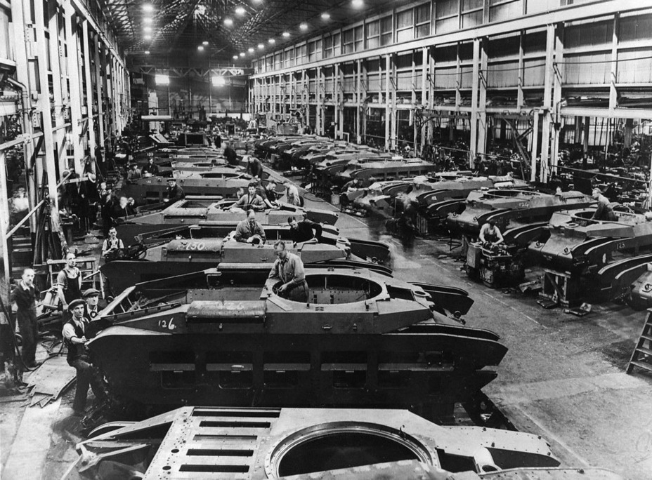 ​Infantry Tank Mk.II in production. The factories had trouble spinning up production at first, but the overall production rate was high thanks to six factories working on the tank at once, at least for British industry - Short-Term Queen of the Desert | Warspot.net